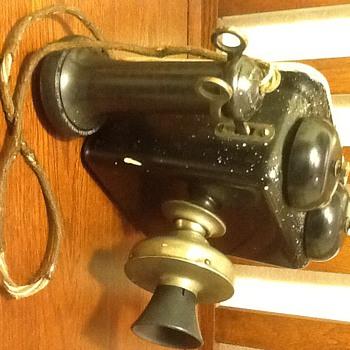 Stromberg Carlson wall phone - Telephones