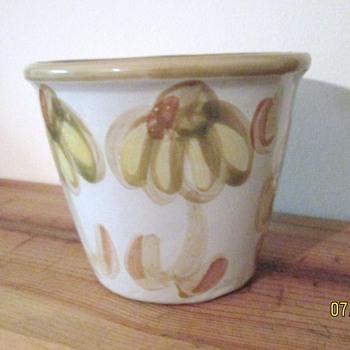 Louisville Stoneware Unknown Pattern - Pottery