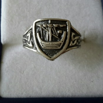 Alexander Ritchie IONA Silver Ring