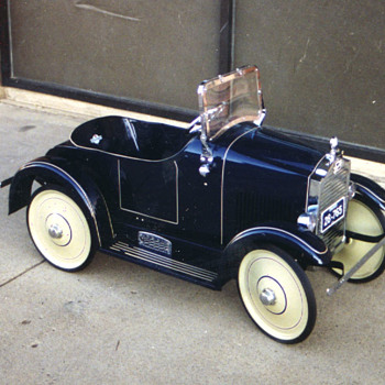 1926 STEEL CRAFT  BUICK PEDAL CAR   - Model Cars