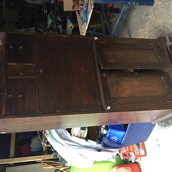 Unknown desk cabinet