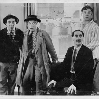 Groucho Marx signature photogragh - Photographs