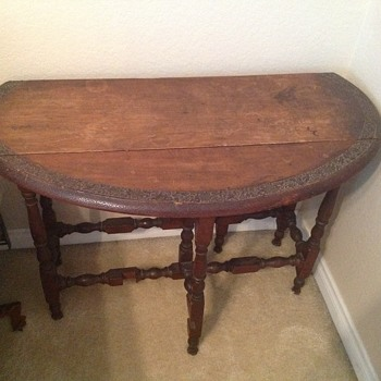 Antique gate leg side table - Furniture