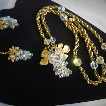 AB Grape crystals on gold tone Vine & chain - Costume Jewelry