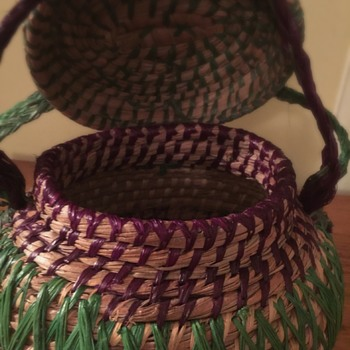 Coiled Seeetgrass basket purse.Gullah/Native/Modern/Antique? help please