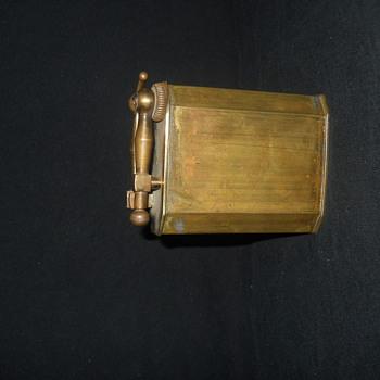 brass arm flint vintage lighter - Tobacciana