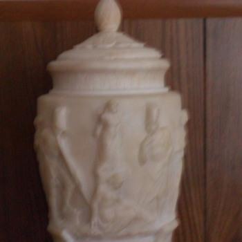 Vase/Urn