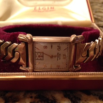 Vintage Elgin De Luxe 10k Gold Filled Ladies Watch