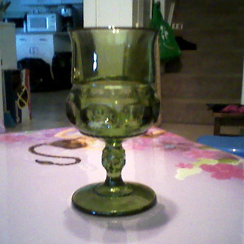 set of 8 green glass goblets - Glassware