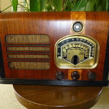 Unknown Radio - Radios