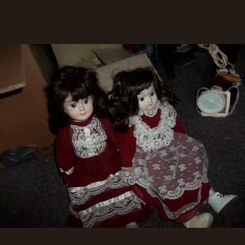 2  music box dolls - Dolls