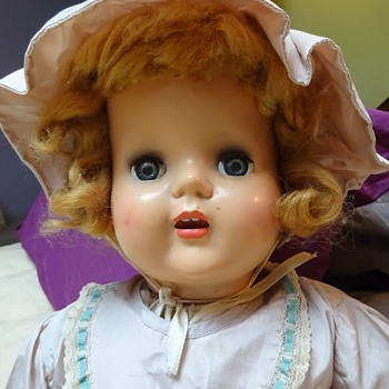 Vintage Unusual Mama Doll - Dolls