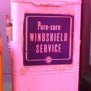 Original Pure Oil...Gas Station Island...Paper Towel Dispenser...With Spray Bottle - Petroliana