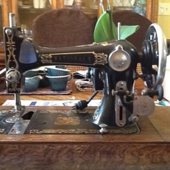 Antique National E Sewing Machine - Sewing