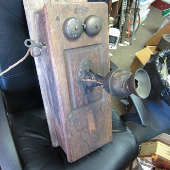 Wall Telephone With a Wilhelm Double Diaphragm Transmitter - Telephones