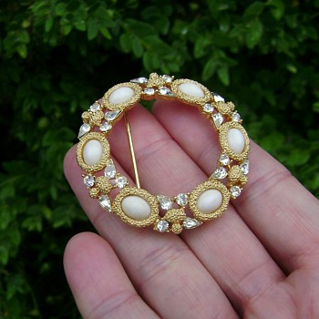Trifari Wreath Brooch - Costume Jewelry