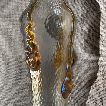 "9"" Loetz Nautilus - Art Glass"