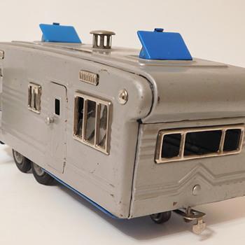 1950s Shioji S.S.S Japan Tin House Trailer - Toys