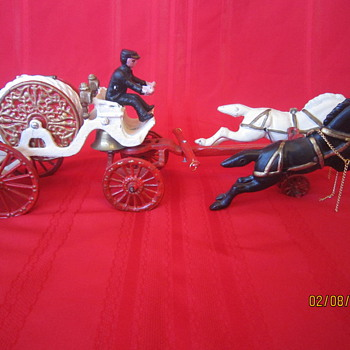 Late 1800's? Antique Cast Iron Horse Drawn Metal Carriage Firetruck Firefighter w/ Coachman - Model Cars