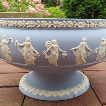 Wedgwood Jasperware Dancing Hours Bowl