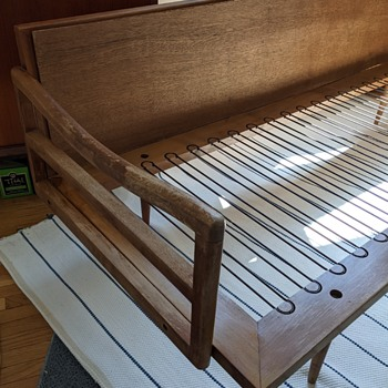 Mid Century Modern Day Bed. - Furniture