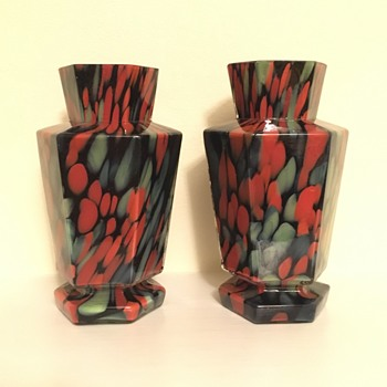 Welz black green red hexagonal pair - Art Deco