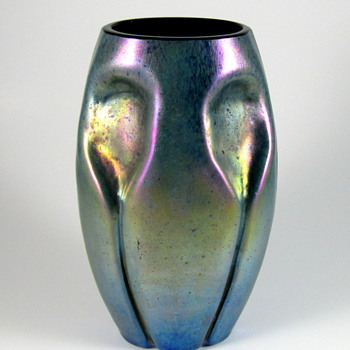 Kralik? Silberiris cobalt ground vase - Art Glass