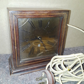 (no longer an) old HAMMOND electric clock - Clocks