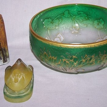 Daum Nancy w/ signed winter scene vase and Green bowl - Art Glass