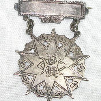 Military(?) Badge-HHC - Military and Wartime