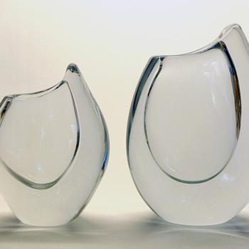 Gunnar Nylund Shark Tooth vases in clear Stromberg crystal - Strombergshyttan 1957-58. - Art Glass