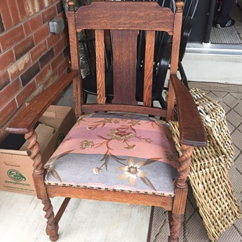 Yard Sale Project Piece Antique Arm Chair   Question