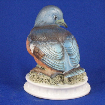 Eastern Bluebird KW1637 Figurine