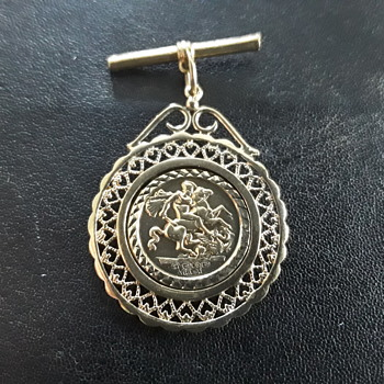 St. George's  medal pendant  - Fine Jewelry