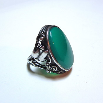 Arts & Crafts Germany Sterling Silver Onyx or Chrysoprase Ring