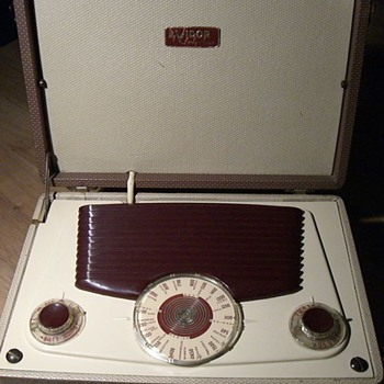 Portable Radio - My Lady Anne CN430 - 1955 or later - Vidor Ltd.