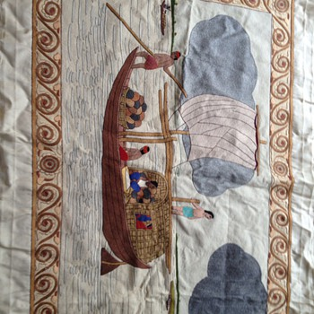 Un identified hand embroiderys on silk - Rugs and Textiles