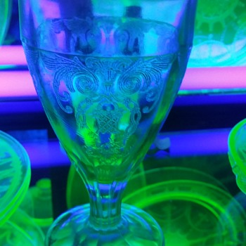 Uranium glass goblet  - Glassware