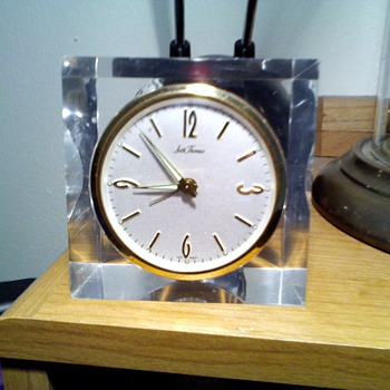 small Seth Thomas acrylic clock,..again!