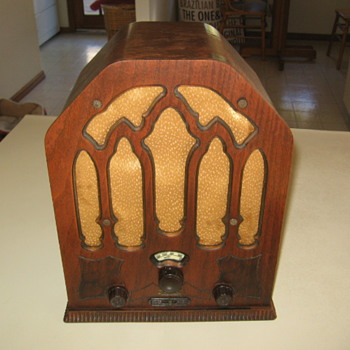 Vintage Cathedral Remler Tube Radio Model 21-3