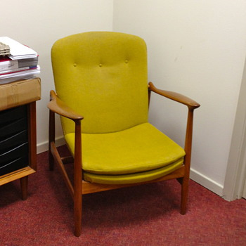 Finn Juhl Fireplace Chair by Bovirke Export Division - Mid-Century Modern