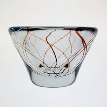 Strombergshyttan bowl 1950s - likely a Gunnar Nylund design. - Art Glass