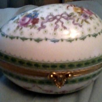 Porcelaine De Paris France Fondee en 1773