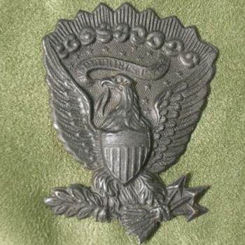 Pair of Darkened US Army Hat Eagles - Military and Wartime