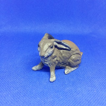 Bronze sit painted rabbit - Animals