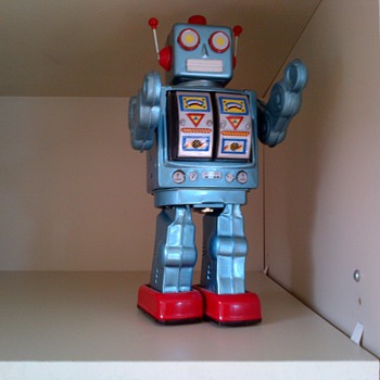 1960 tin robot made in Japan. - Toys