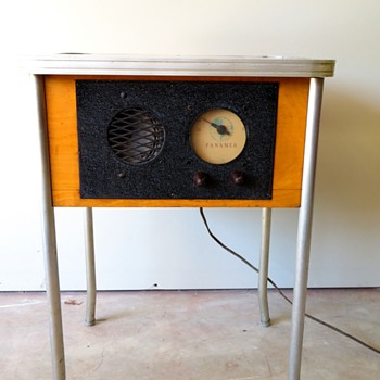 Unique Vintage Panamer Standing AM Radio / Side Table - Radios