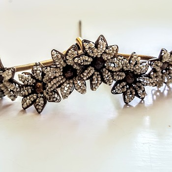 Antique natural seed pearls filigree flowers trembler hair ornament. - Fine Jewelry