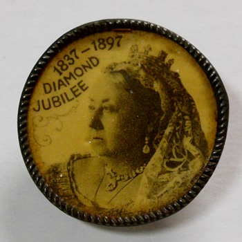 Victoria  Diamond Jubelee Button. 1900s - Politics