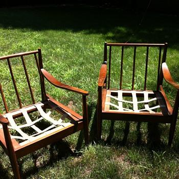 Mid-century Furniture Finds - Mid-Century Modern